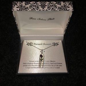 Pressed rose flower necklace 🌹